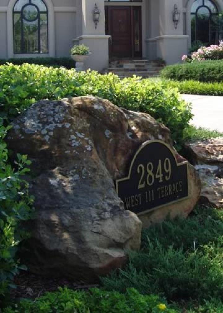I like that boulder. That is a nice boulder.