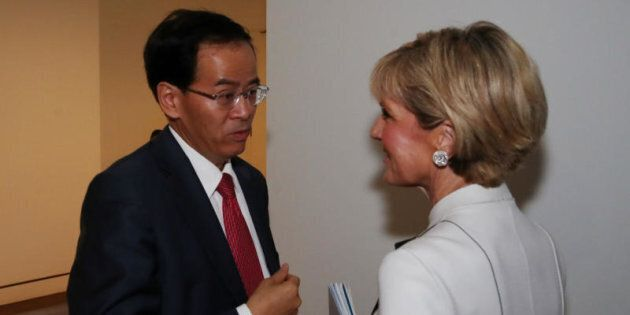 Foreign Minister Julie Bishop with Chinese Ambassador Cheng Jingye in Parliament