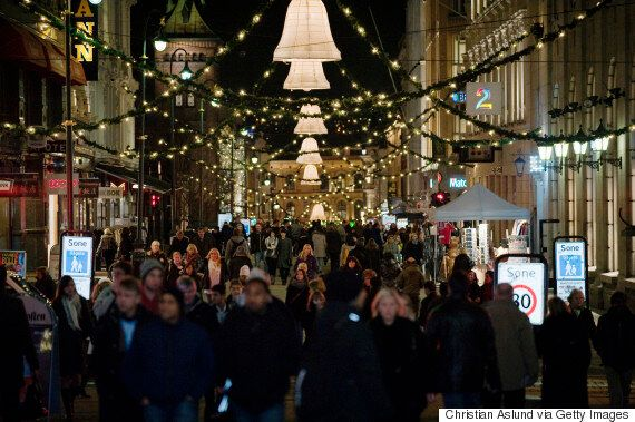 Christmas Queues Are A Turnoff For Shoppers, But A Big Smile Could Win Them