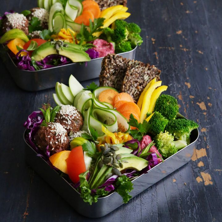 Fill a bowl or lunch box with salad, toast and meatballs for a light, fresh lunch or dinner.