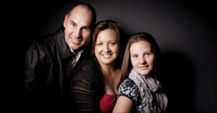 Steve, Anne and Gemma Kelsall.