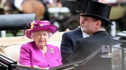 Queen Elizabeth Gets Major Pay Increase And The Public Is