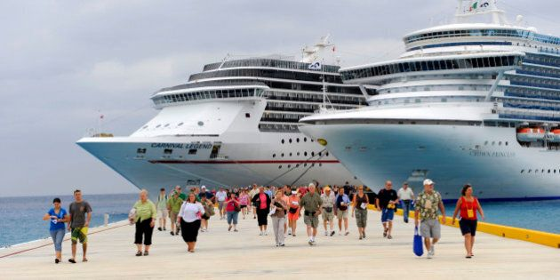 Passengers disembarking Caribbean cruise ship in Puerta Maya and Cozumel,