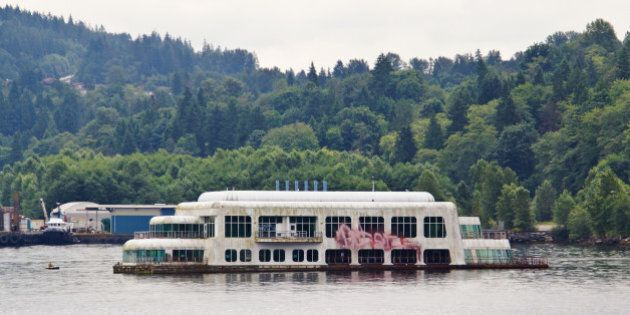 2011 BC VacationA lunch cruise up the Indian Arm Inlet was a great way to spend a Saturday afternoon.This was, apparently, the world's first floating McDonald's, which debuted at Expo '86. It now lies abandoned.