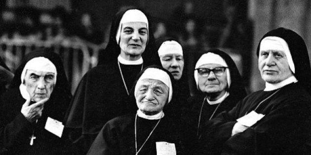 A group of nuns, Turin, 1978. (Photo by Romano Cagnoni/Hulton Archive/Getty