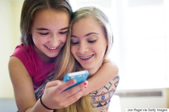Tinder's Teen Version Raises Cyber Safety