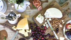 How To Create A Cheese Platter To Please