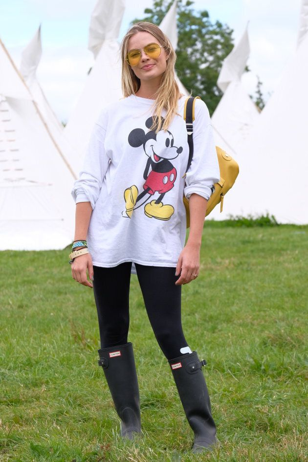 Margot Robbie got the gumboot memo at Glastonbury this year.