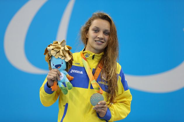Kateryna Istomina wins yet another gold for Ukraine -- this one in the Women's 100m Butterfly S8. The...
