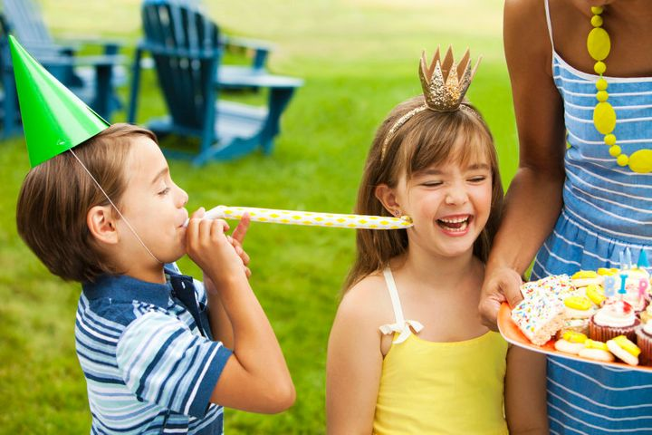 It's perfectly acceptable to ask the parent of the child with the allergy to stay for the duration of the party.