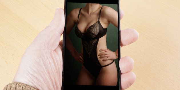 Sexting: What You Need To Know Before You Do