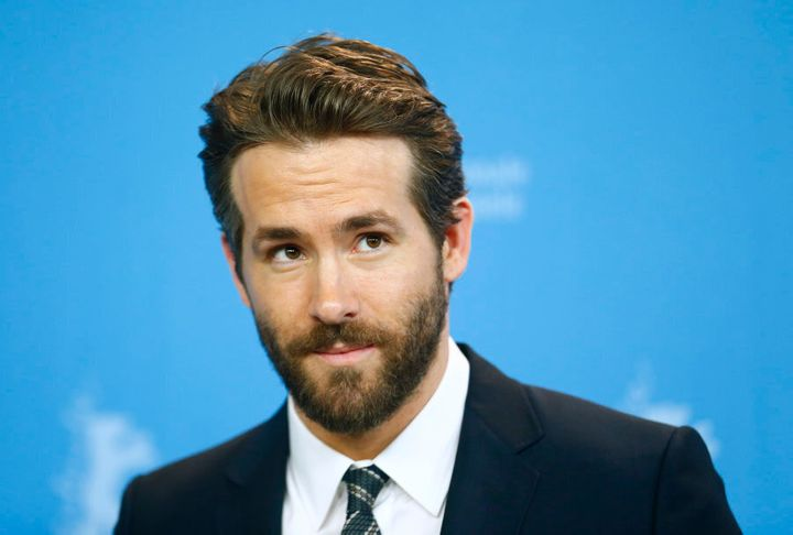 Ryan Reynolds is reportedly in talks to play Don Tillman in the film adaptation of 'The Rosie Project'.