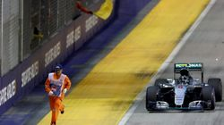 F1 Marshal Runs For His Life In Terrifying Blunder At The Singapore
