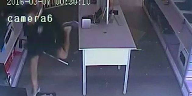 Goofy Robber Falls Over, Loses His Shoe On
