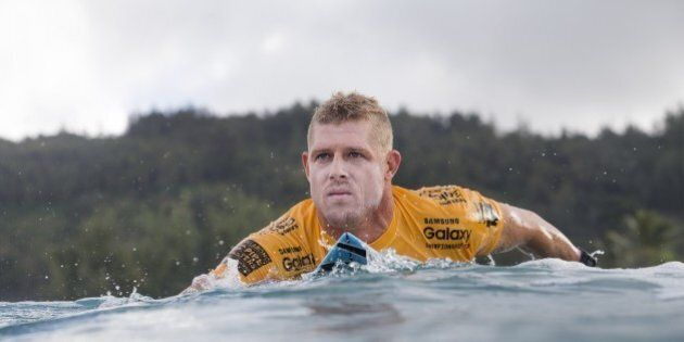 HALEIWA, HI - DECEMBER 10: Mick Fanning of Australia advanced directly to Round 3 of the Billabong Pipe...