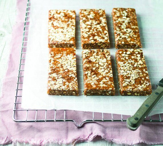 Make These Chewy Almond Butter Bars For Your Kids This