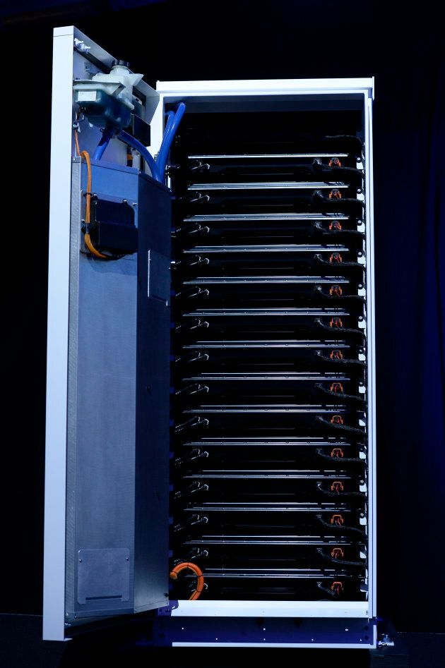 Inside each fridge-like Tesla Powerpack will be 16 individual battery trays that all wire into the network.