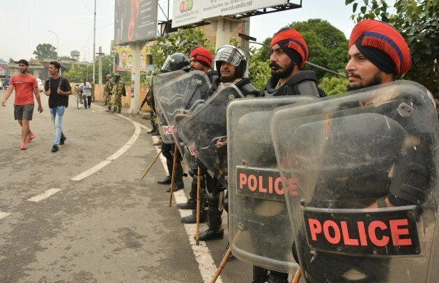 Police anticipated violence and prepared for a confrontation with