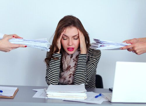 How to Manage Stress At Work During a Busy