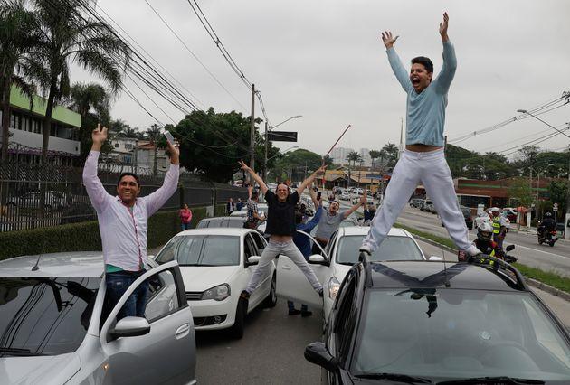 Em 2017, motoristas de Uber, 99 e Cabify protestaram contra tentativa do Senado de regular transporte...