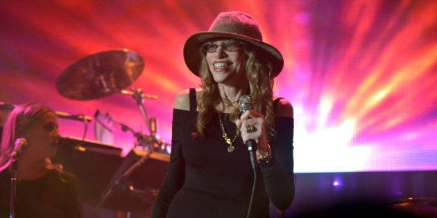 BEVERLY HILLS, CA - FEBRUARY 14:  Recording artist Carly Simon performs onstage during the 2016 Pre-GRAMMY Gala and Salute to Industry Icons honoring Irving Azoff at The Beverly Hilton Hotel on February 14, 2016 in Beverly Hills, California.  (Photo by Lester Cohen/WireImage)