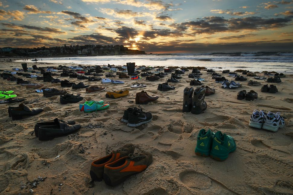 191 pairs of shoes on Sydney's Bondi Beach represented the number of Australian men who take their lives within a month.