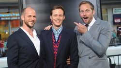 Look At These Perfect Photos Of Alexander Skarsgard Reacting To His Creepy Brother At The 'It'