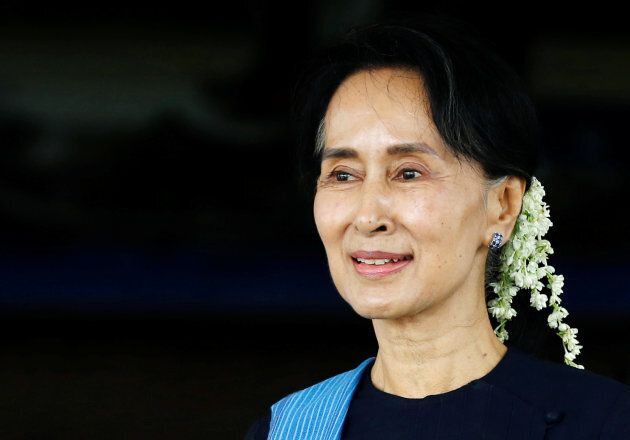 """Myanmar's Aung San Suu Kyi has blamed """"terrorists"""" for """"misinformation"""" about the state of Rohingya Muslims."""