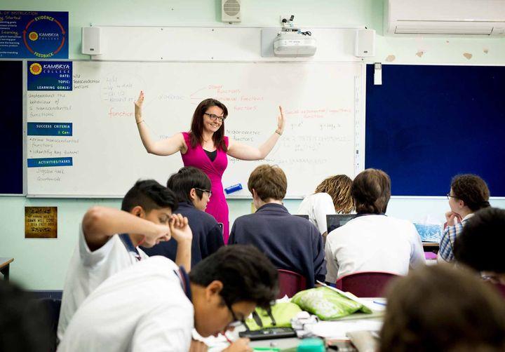 Teacher Sarah Hewat with her class.