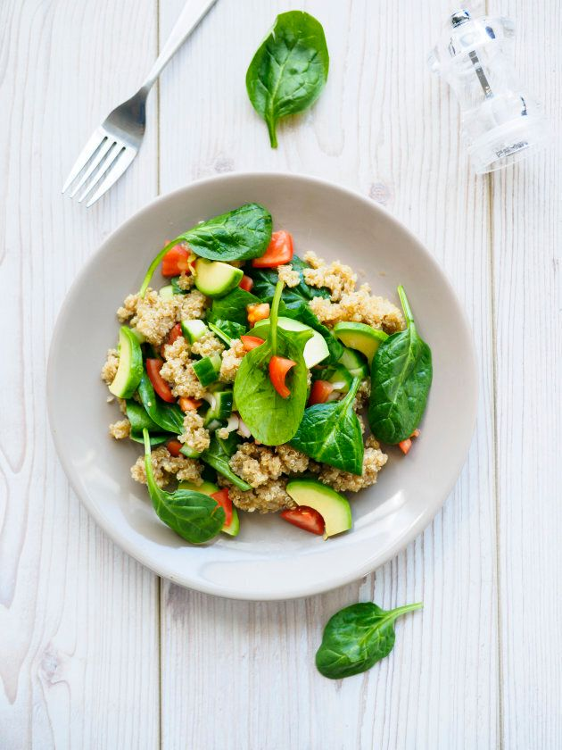 A half cup of cooked quinoa equals roughly 20 grams of carbohydrates.