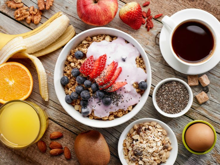 This breakfast will keep you more full than a McDonald's burger of the same amount of calories.