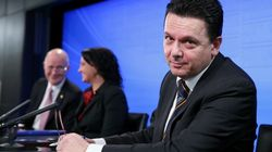 Chris Pyne And Nick Xenophon Are Fighting About Stolen