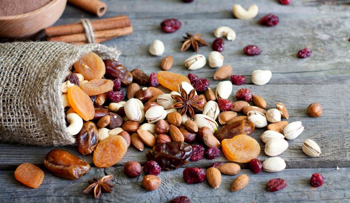Dried fruit and nut mix can help keep you feel full for longer.