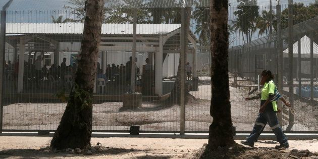 Manus Asylum Seekers May Stay In Detention In PNG After Centre