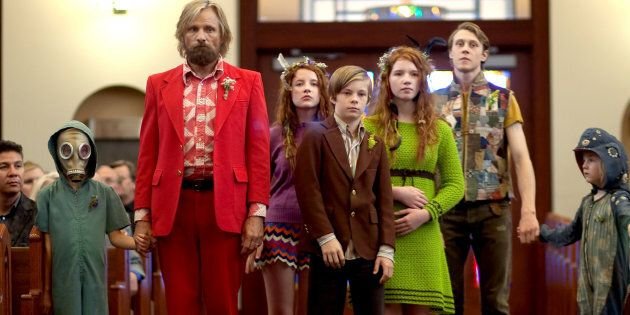 Viggo Mortensen and brood in 'Captain Fantastic'
