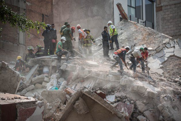 Hundreds Dead After Magnitude 7.1 Earthquake Strikes Central