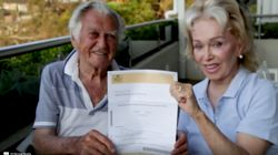 Bob Hawke Says Yes To Marriage Equality As Poll Shows Dip In