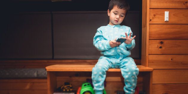 Using smart phones before sleep may not be so smart after