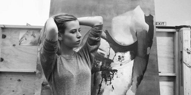Ellie Kammer is a self taught artist.