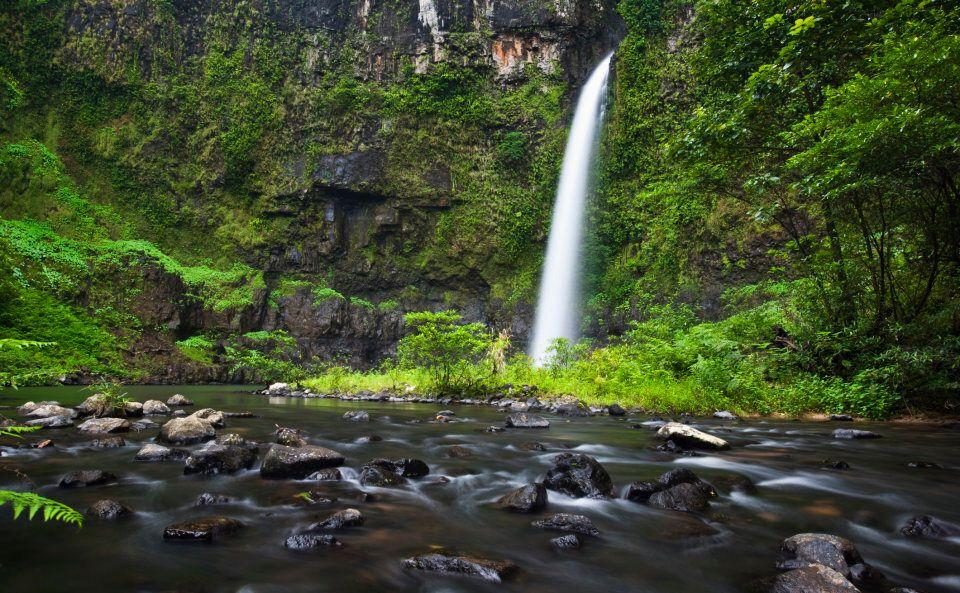 Nandroya Falls in Wooroonooran National Park.