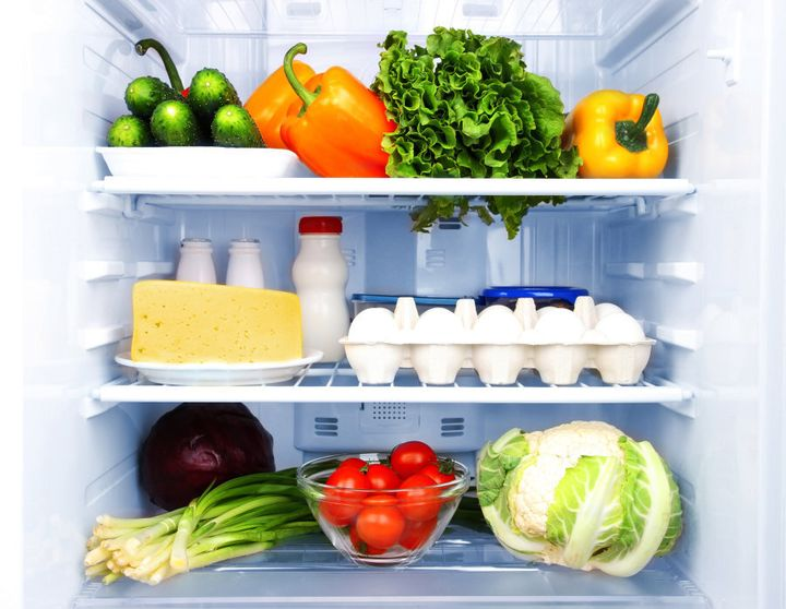 Foods which need refrigeration generally have use by dates.