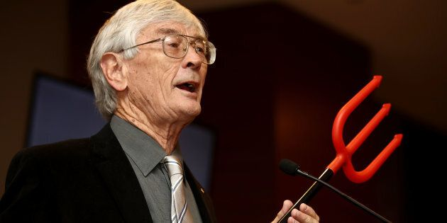 Dick Smith announcing the launch of his $1 million campaign to reduce immigration at the Hilton Hotel...