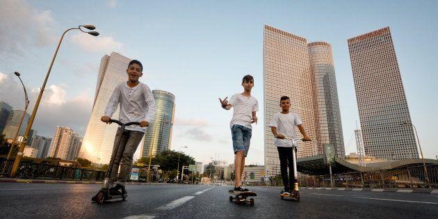 Tween Scooter Gang Zooms Into Brisbane CBD, Fights