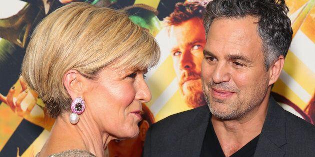 Julie Bishop with Mark Ruffalo at the Sydney premiere of Thor: Ragnarok.