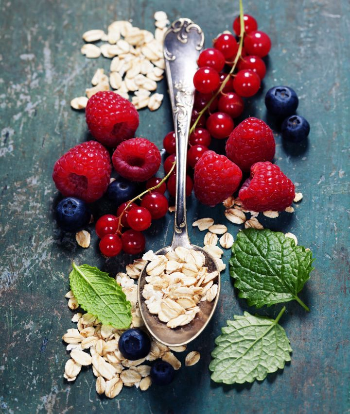 Berries and oats are the Beyonce and Jay Z power couple of food.