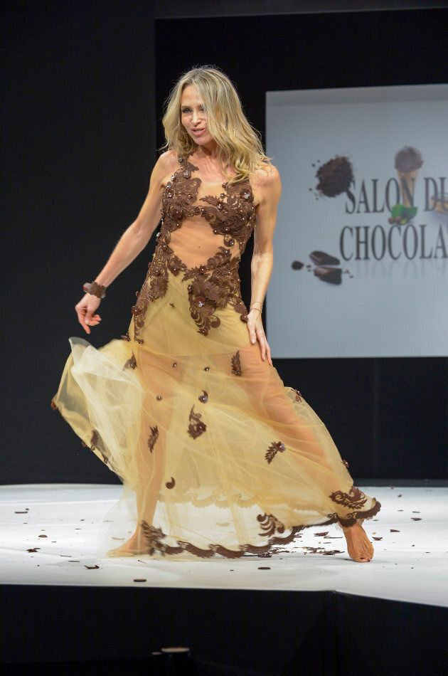 Chocolate lace and flowers.