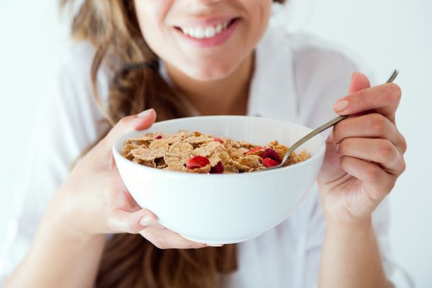 Eating breakfast mindfully without distractions can help us feel fuller and more