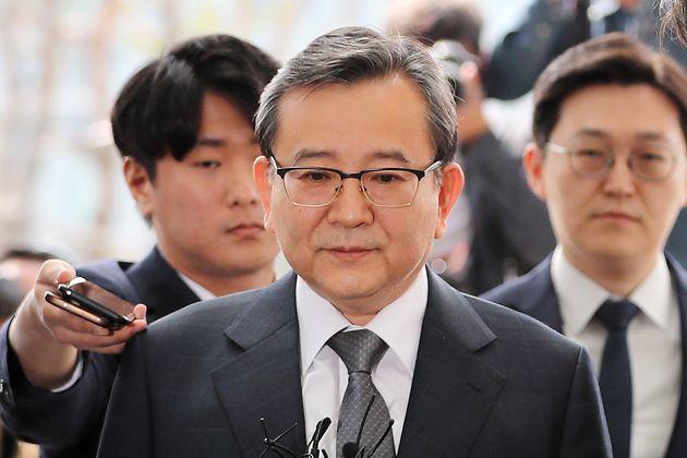 '별정 성접대 의혹' 김학의 전 차관이 검찰에