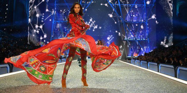 PARIS, FRANCE - NOVEMBER 30: Joan Smalls walks the runway during the 2016 Victoria's Secret Fashion Show...