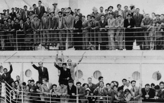 Italian migrants arriving in Australia in the 1950s
